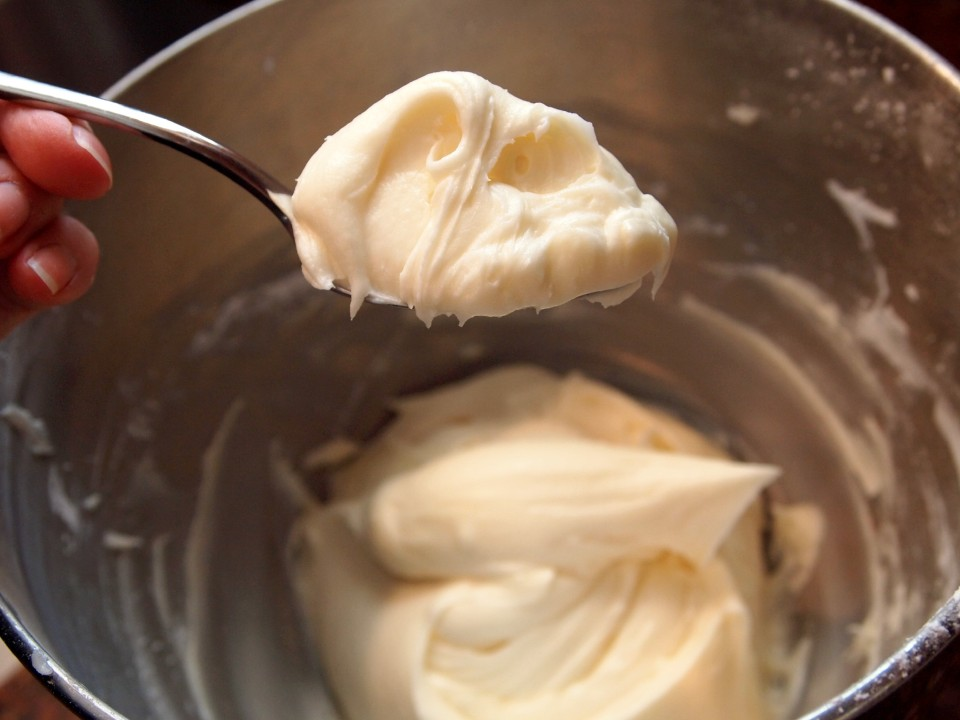 The Only Frosting You'll Ever Need: Cream Cheese Frosting | ComfortablyDomestic.com