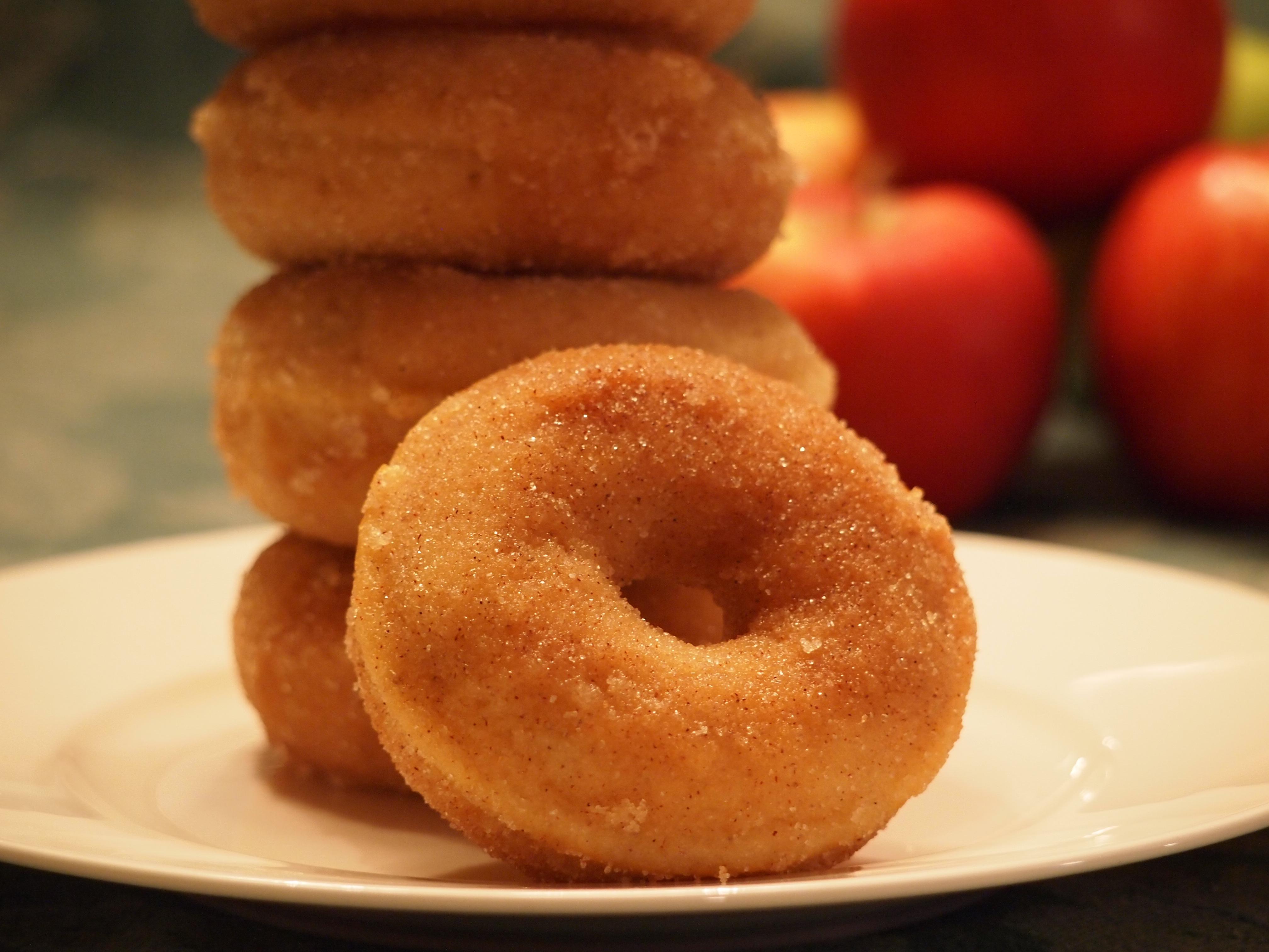 Apple Cinnamon Doughnuts | Foods | Pinterest