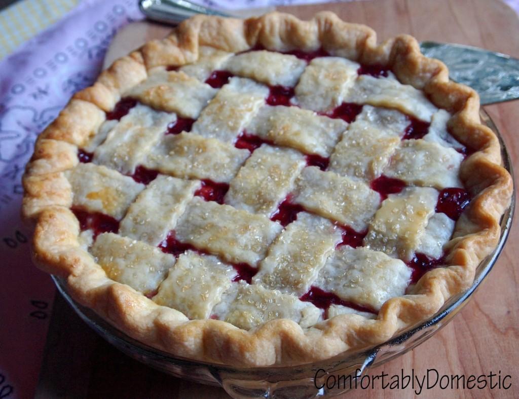 Classic Cherry Pie | ComfortablyDomestic.com