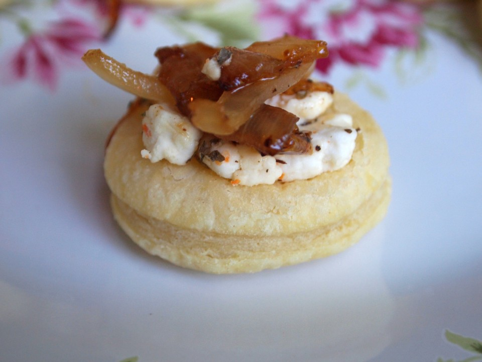 Caramelized Onion and Goat Cheese Puffs | ComfortablyDomestic.com