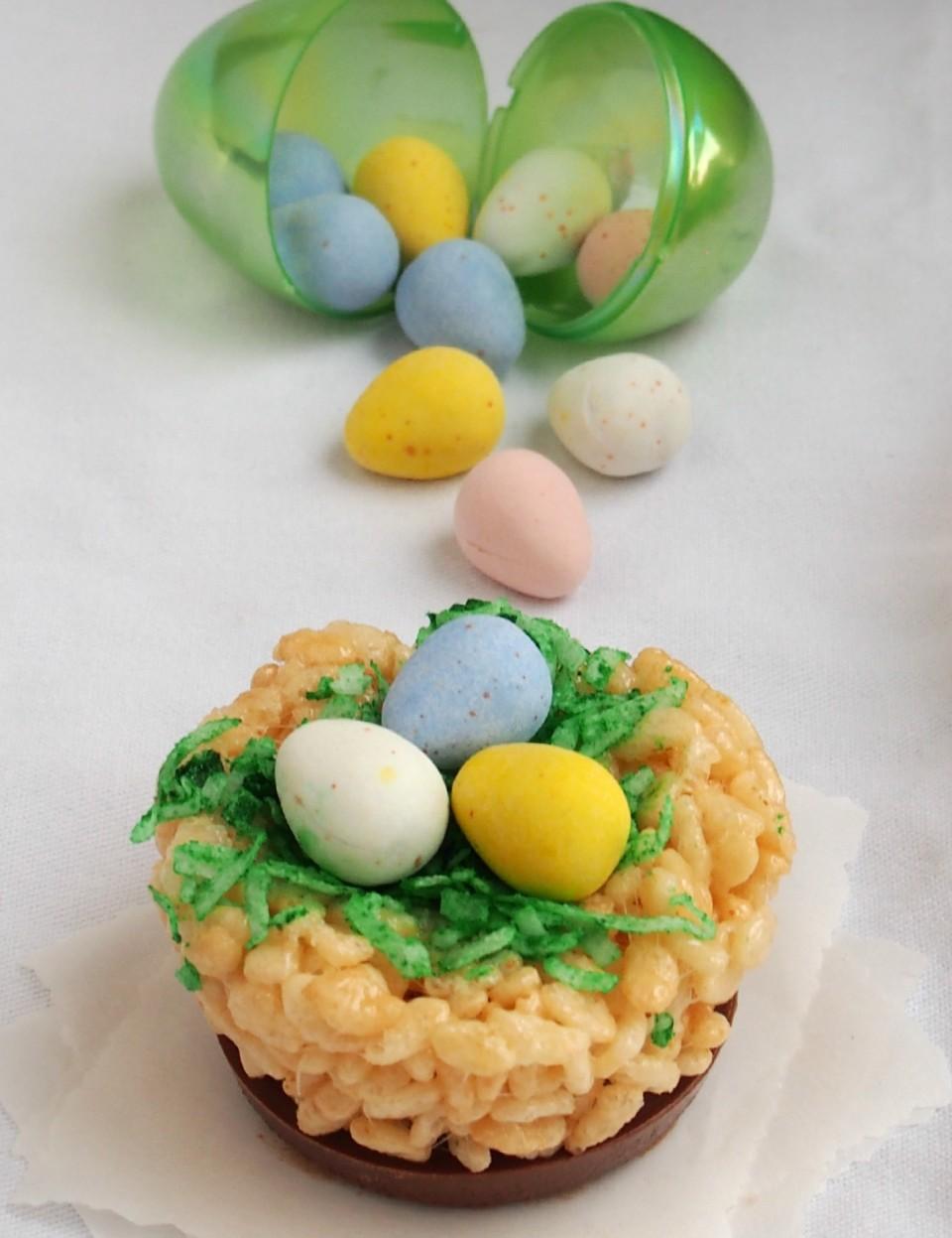 Cadbury Krispie Treat Nests | ComfortablyDomestic.com